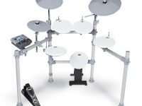 Kat Percussion Kit 2 e drumset